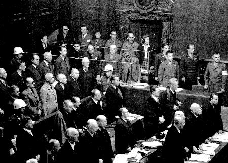 Gerichtssaal beim Nurnberger Prozess Dolmetscher